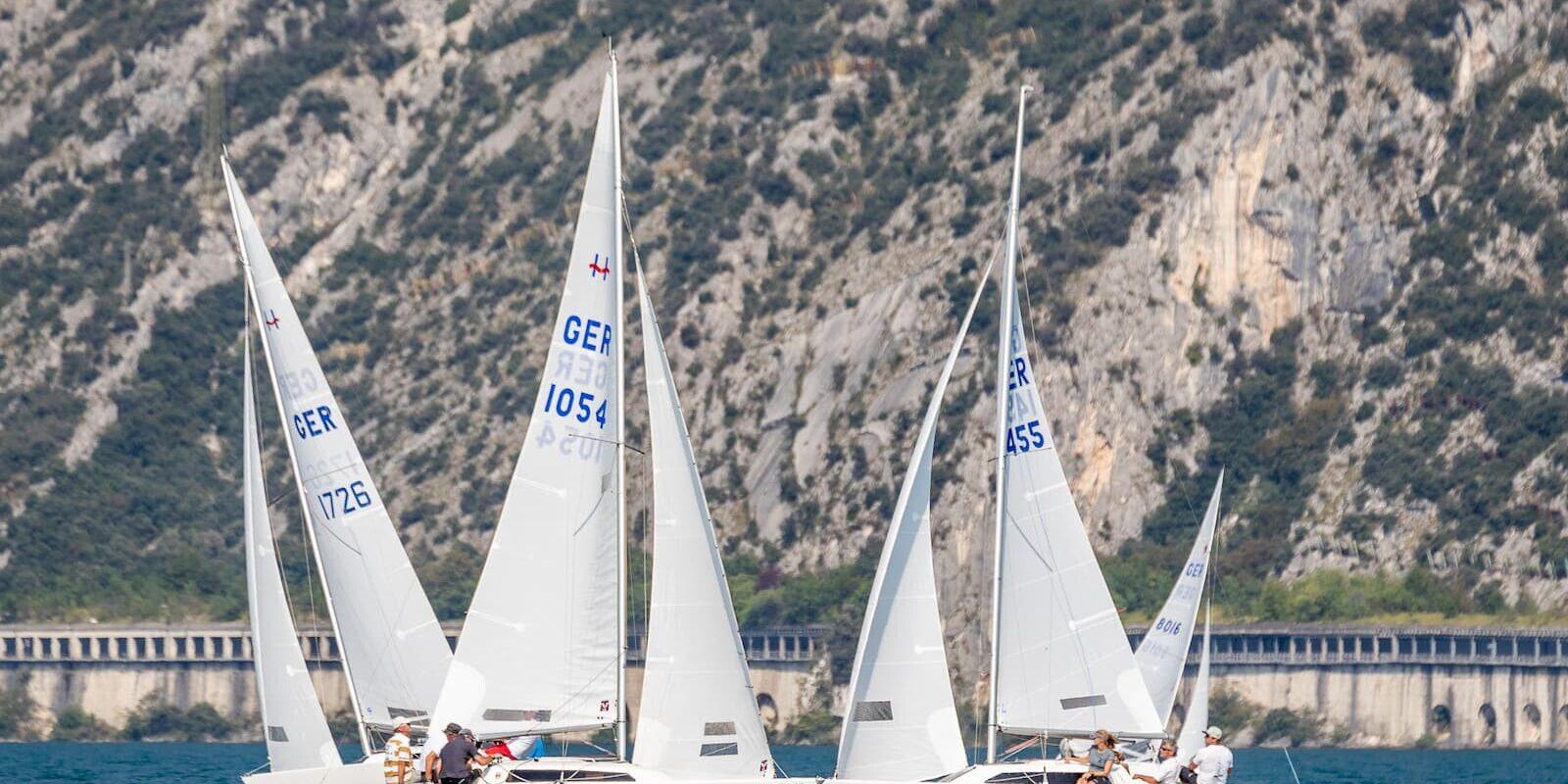 Regata della classe h-boat alla Fraglia Vela Malcesine, sul lago di garda