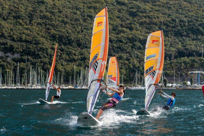 Techno 293, windsurd, in regata alla Fraglia Vela Malcesine