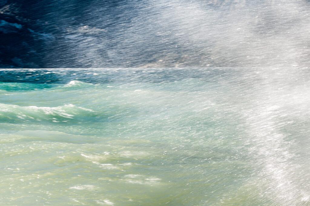 Onda e Spruzzi di acqua del Lago di Garda, Malcesine