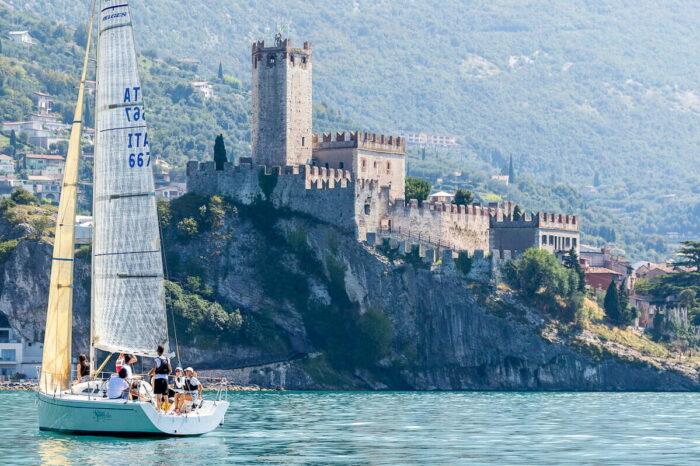 Veleggiate sul Lago di Garda con Skipper della Fraglia Vela Malcesine