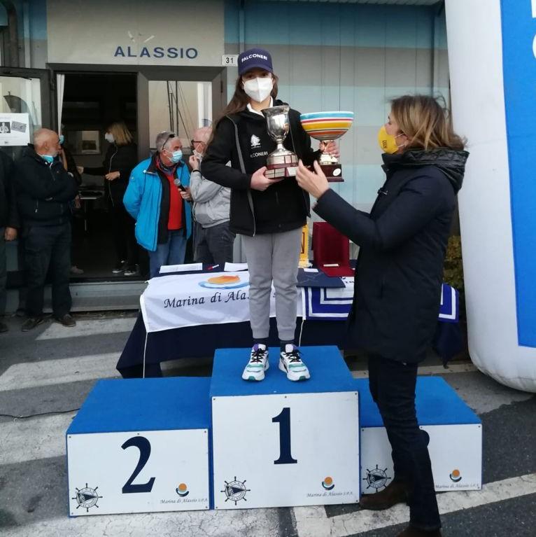 sofia bommartini primo posto femminile optimist juniores meeting alassio 2021